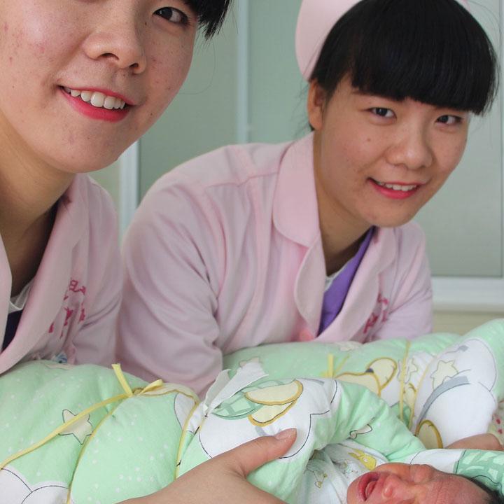 慢性的な看護師不足が続く日本